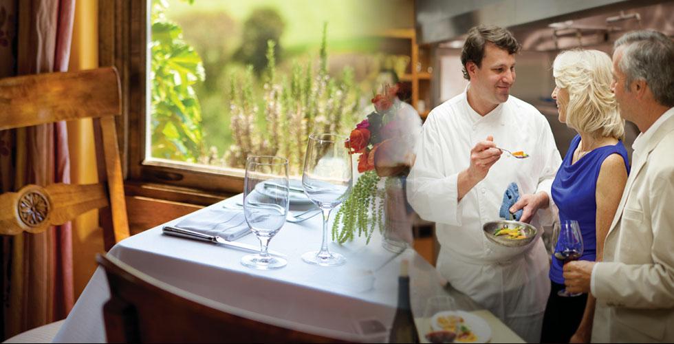 顶级配置   俱乐部的美食灵感来自索诺玛大自然的恩惠,手工奶酪,橄榄油,新鲜的有机果蔬,当地自产的肉类,美味而健康。
